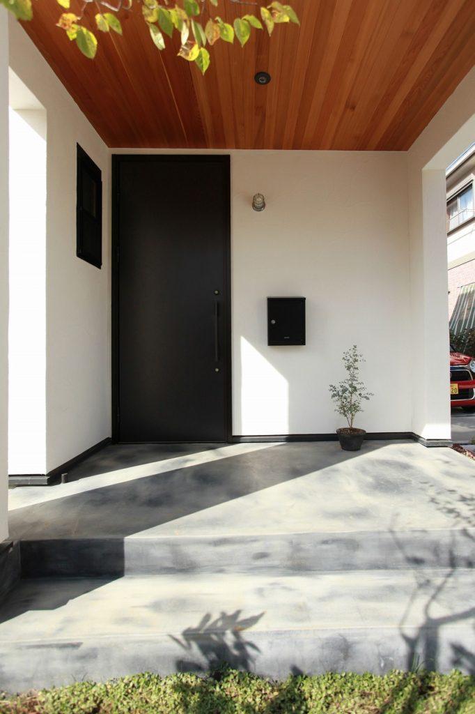 玄関ドア(アルミ製)