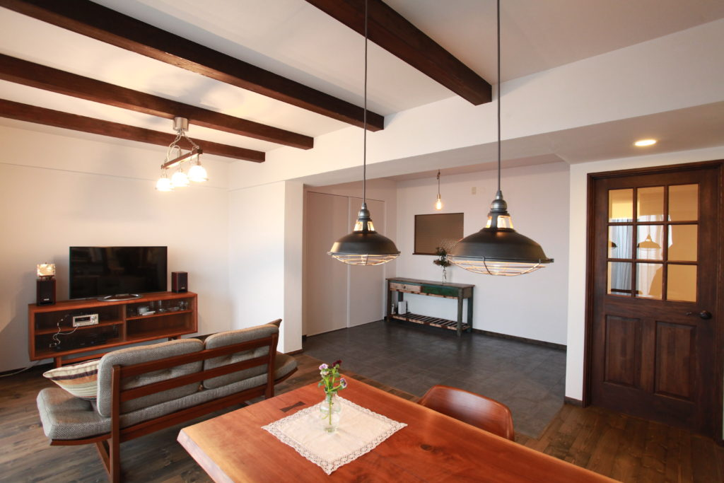マンション/リノベーション/神奈川県海老名市/ヴィンテージな家具・雑貨と調和する暮らし